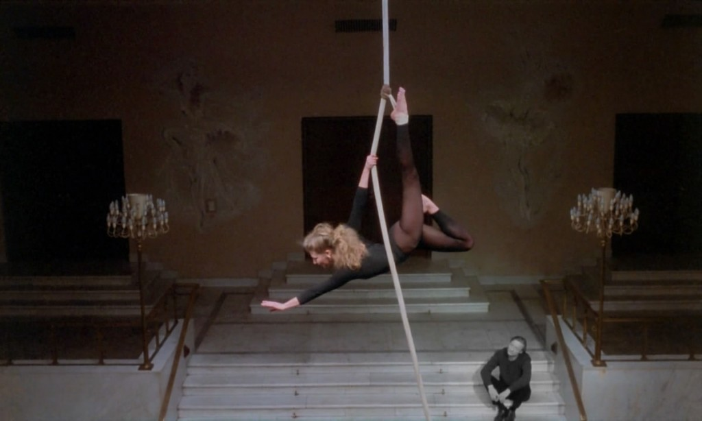 Solveig Dommartin - Trapeze