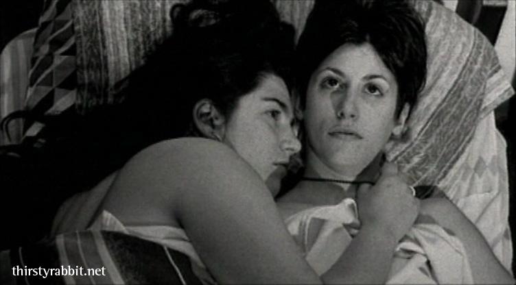 Tatiana Saphir and Carla Crespo in Tan de repente aka Suddenly