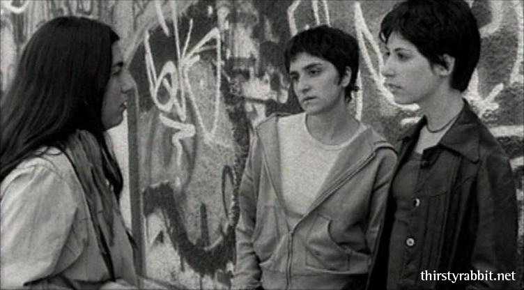 Tatiana Saphir, Veronica Hassan, and Carla Crespo in Tan de repente aka Suddenly