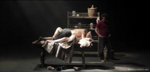A scene from Otel-lo