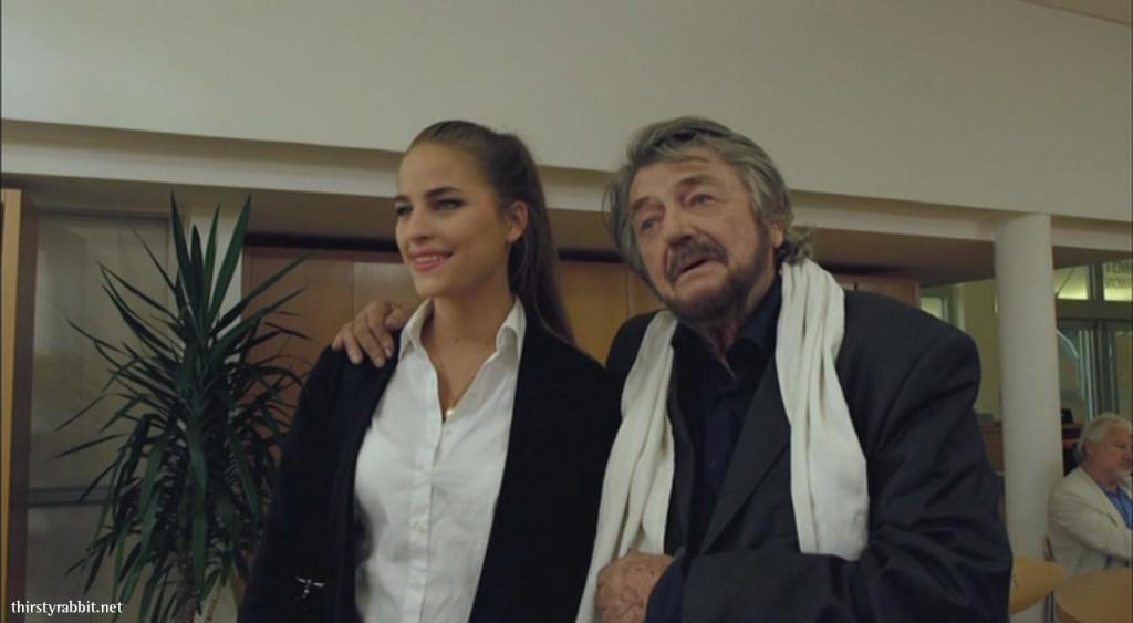 Solène Hebert and Jean-Pierre Mocky in Le mentor (2012, France)