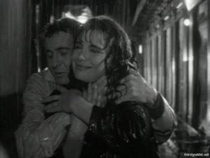 """Jenny Karezi and Dimitris Papamichael in """"Ta kokkina fanaria"""" (1963)"""